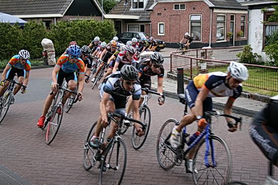 Wedstrijdbeeld uit de 3e Ronde van Noordhorn op 21 juni 2008, de mannen amateurs op de pedalen!