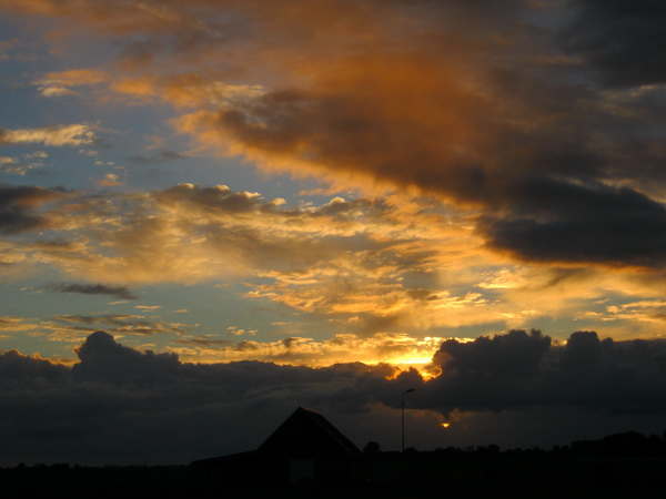 De paardenschuur van Jan Tempel, bekroond met een prachtige hemel!