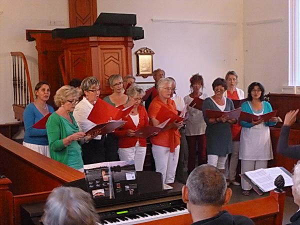 Presentatie Koor Noordhorn in juni 2013, toen in het kerkje te Den Horn