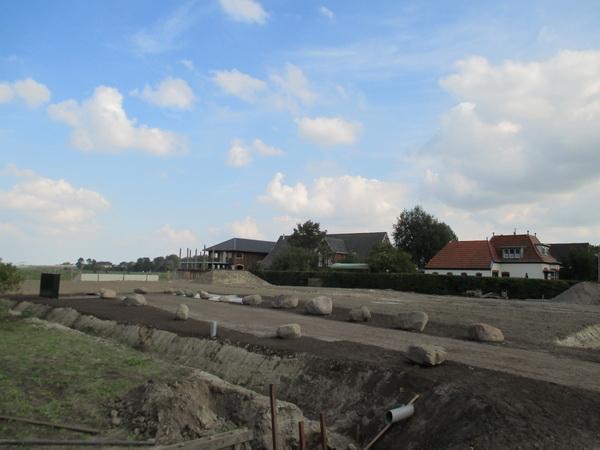 De leegte tussen Langestraat 7 en Langestraat 13 vanwege de bouw van de tunnel. Het doorgaande verkeer is ondergronds gegaan...