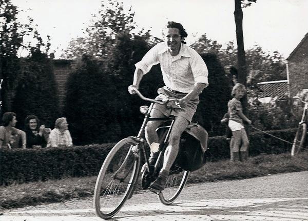 Pierre, kersverse Noordhorner, als deelnemer aan de wielerronde