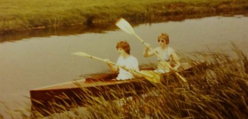 Met zus(je) in de kano...